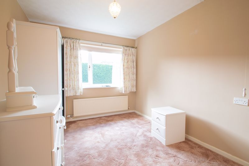 1 bed bungalow for sale in Stourbridge Road 4