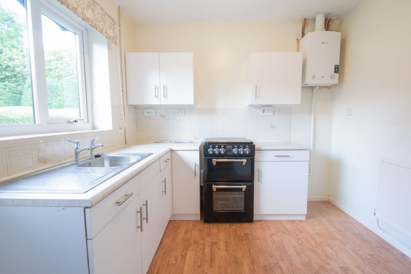 1 bed bungalow for sale in Stourbridge Road 6