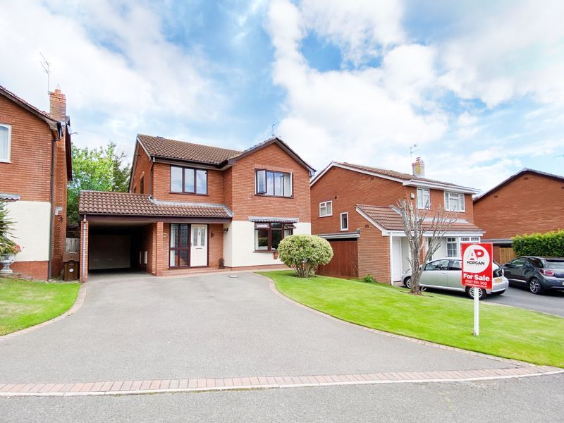 4 bed house for sale in Barley Croft  - Property Image 1