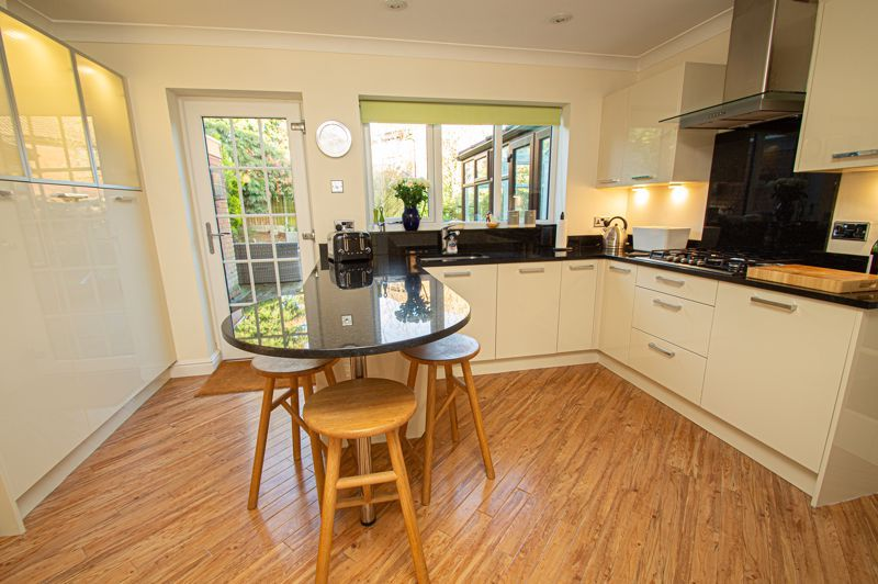 4 bed house for sale in Barley Croft  - Property Image 6