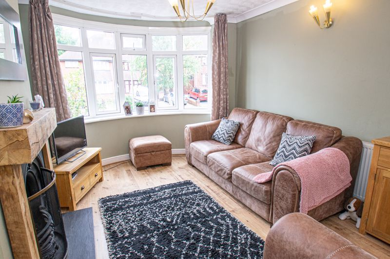 3 bed house for sale in Oakenshaw Road  - Property Image 2