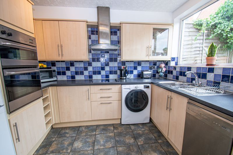 3 bed house for sale in Oakenshaw Road  - Property Image 8