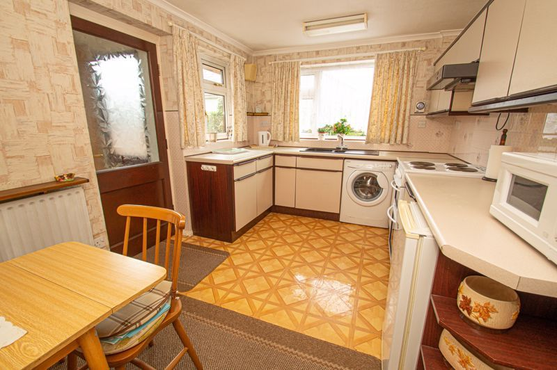 2 bed bungalow for sale in Little Acre 5