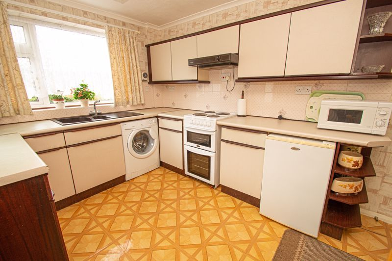 2 bed bungalow for sale in Little Acre  - Property Image 6