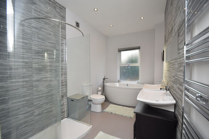 2 bed house for sale in Birmingham Road 3