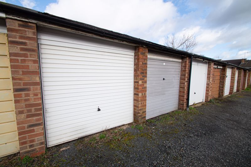 3 bed house for sale in Crabtree Close  - Property Image 11
