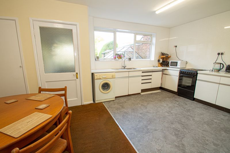3 bed house for sale in Crabtree Close  - Property Image 3