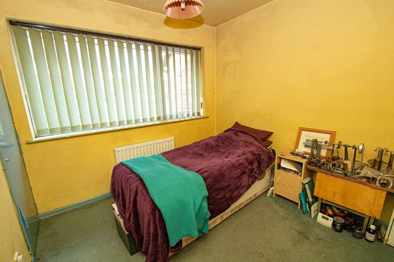 3 bed house for sale in Crabtree Close 6