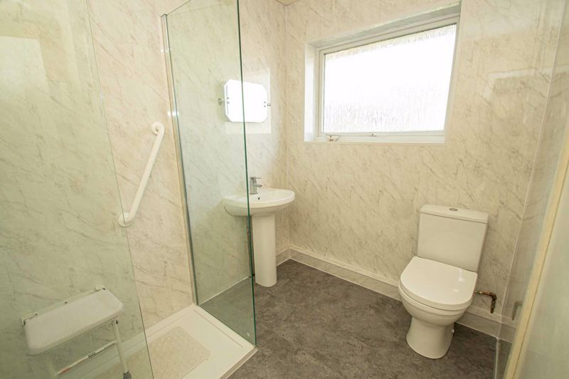 3 bed house for sale in Crabtree Close 8