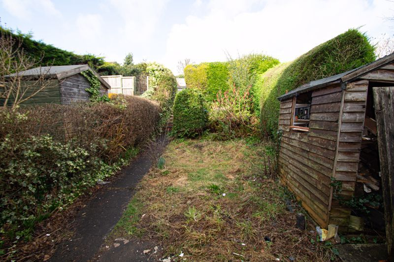3 bed house for sale in Crabtree Close 9