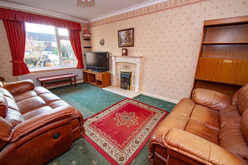 2 bed bungalow for sale in Meriden Close 2