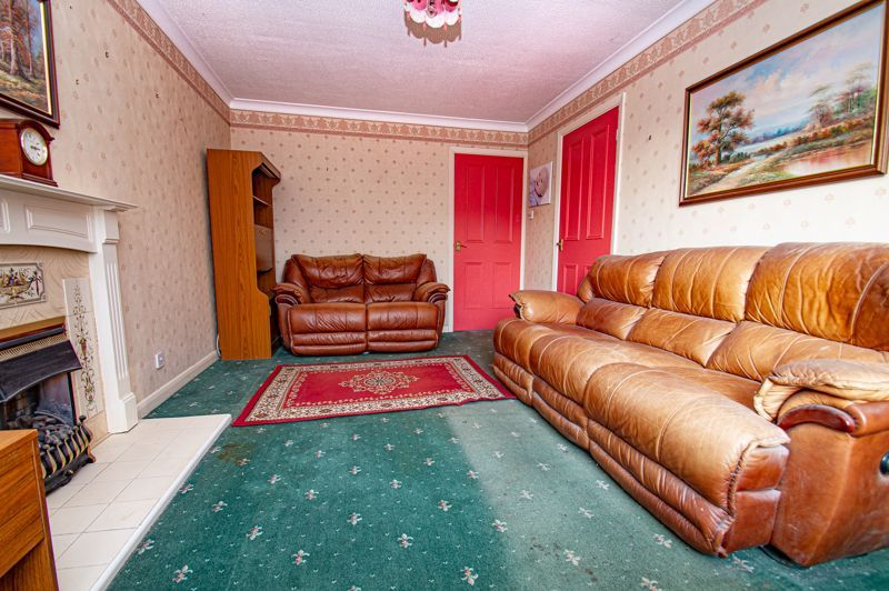 2 bed bungalow for sale in Meriden Close 4