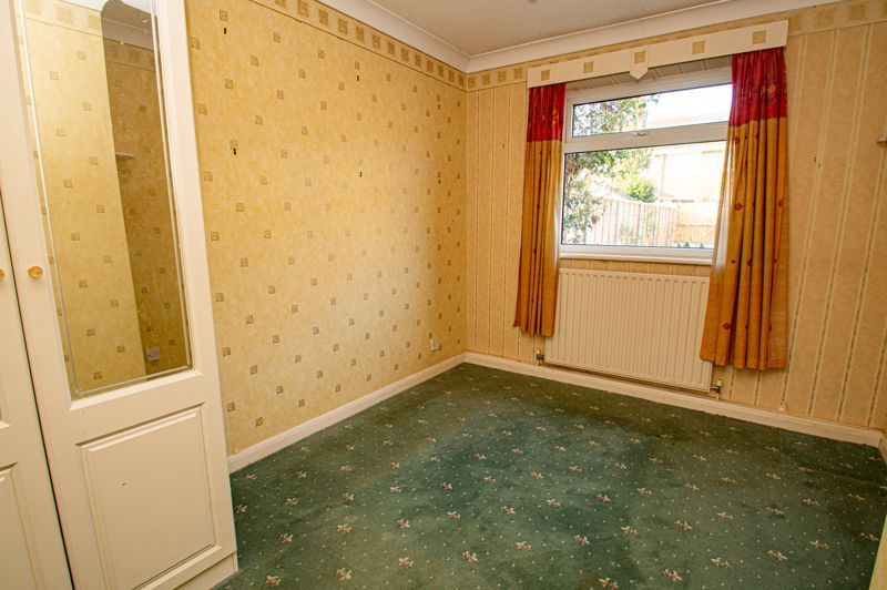 2 bed bungalow for sale in Meriden Close 6