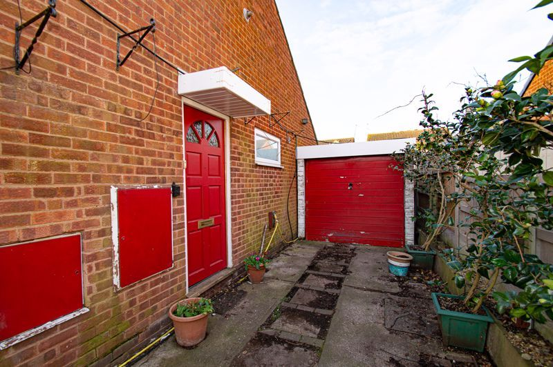 2 bed bungalow for sale in Meriden Close  - Property Image 10