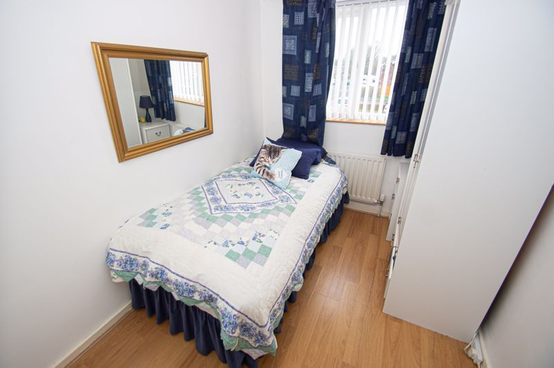 3 bed house for sale in Merevale Close 9