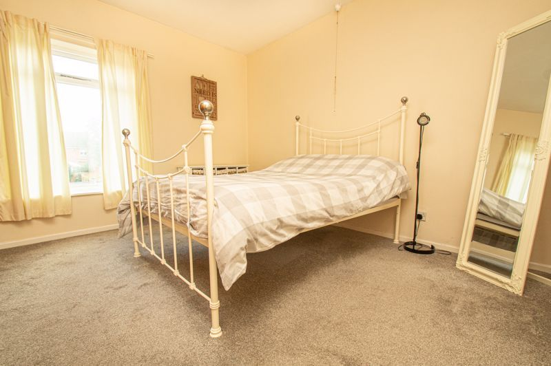 2 bed house for sale in High Street 8