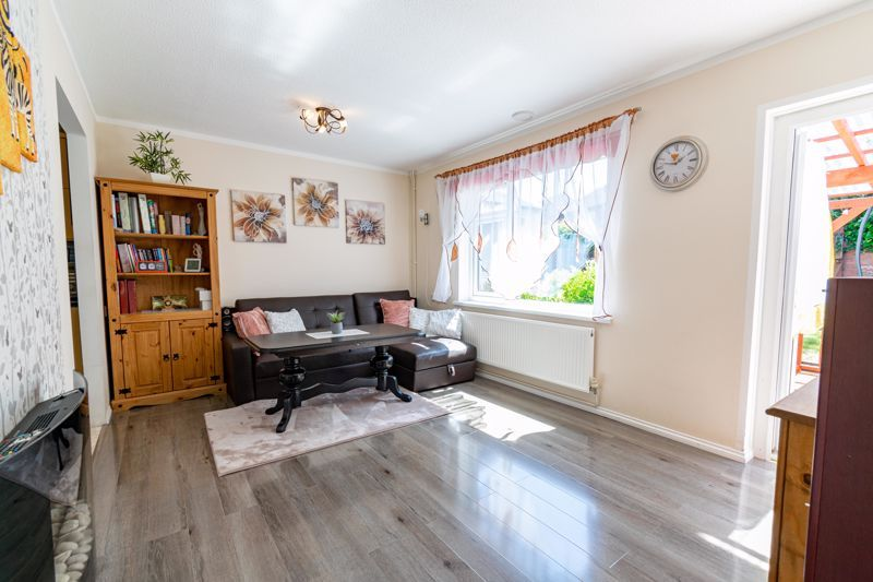 3 bed bungalow for sale in Beech Tree Close  - Property Image 3