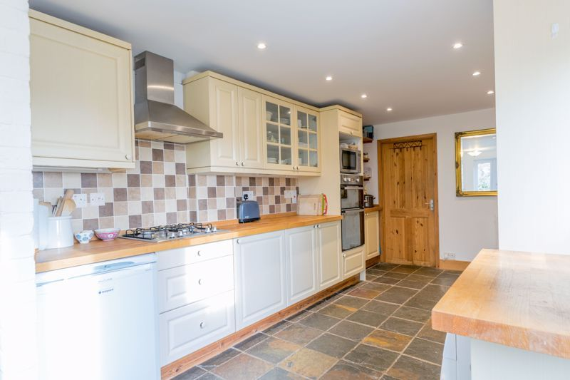 4 bed  for sale in Brueton Avenue  - Property Image 2