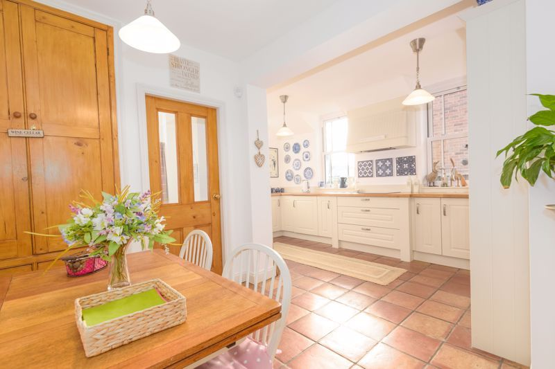 3 bed house for sale in West Road 3