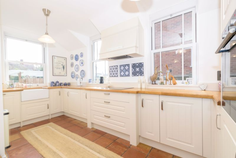 3 bed house for sale in West Road 4