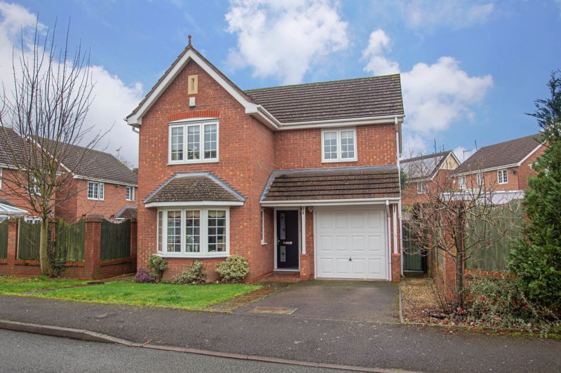 3 bed house for sale in Hoveton Close  - Property Image 1