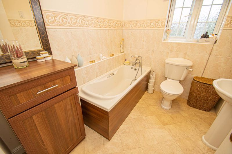 3 bed house for sale in Hoveton Close  - Property Image 11