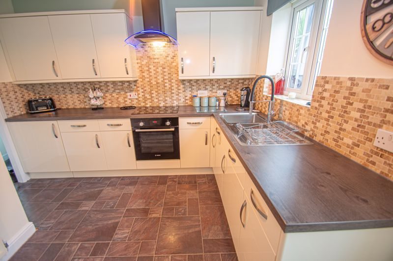 3 bed house for sale in Hoveton Close 15