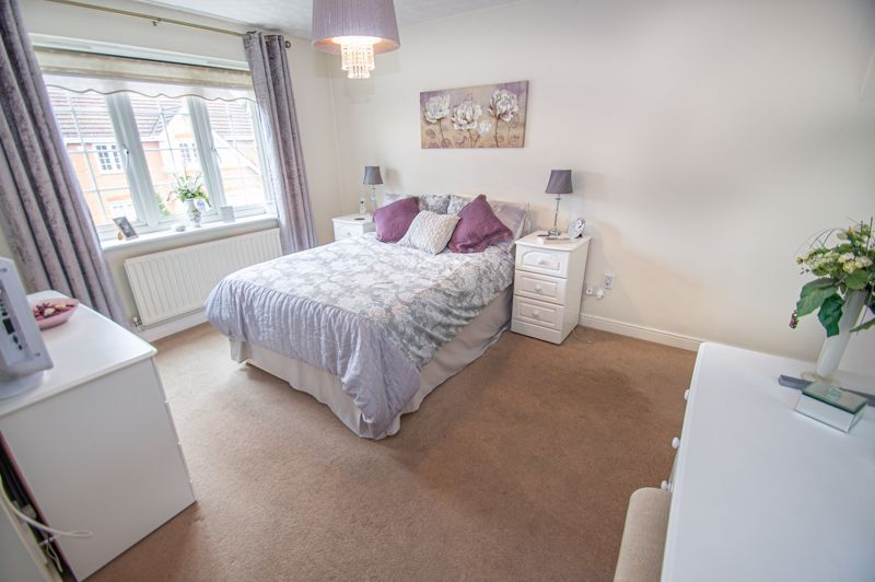3 bed house for sale in Hoveton Close 16