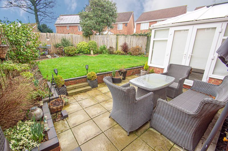 3 bed house for sale in Hoveton Close 18