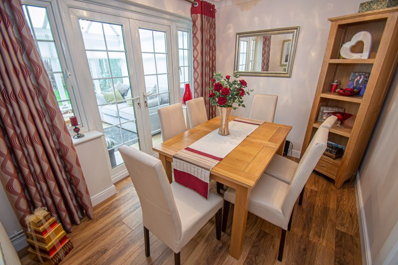 3 bed house for sale in Hoveton Close 3