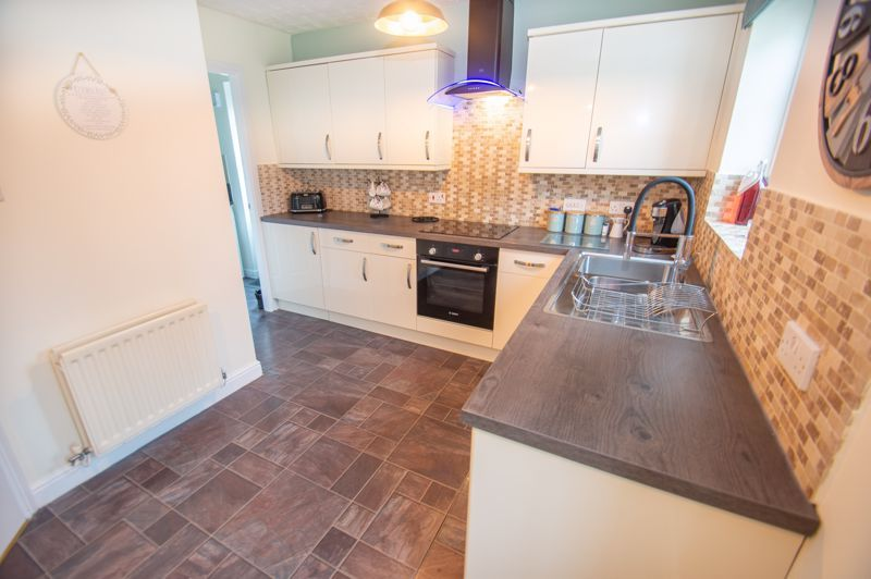 3 bed house for sale in Hoveton Close 5