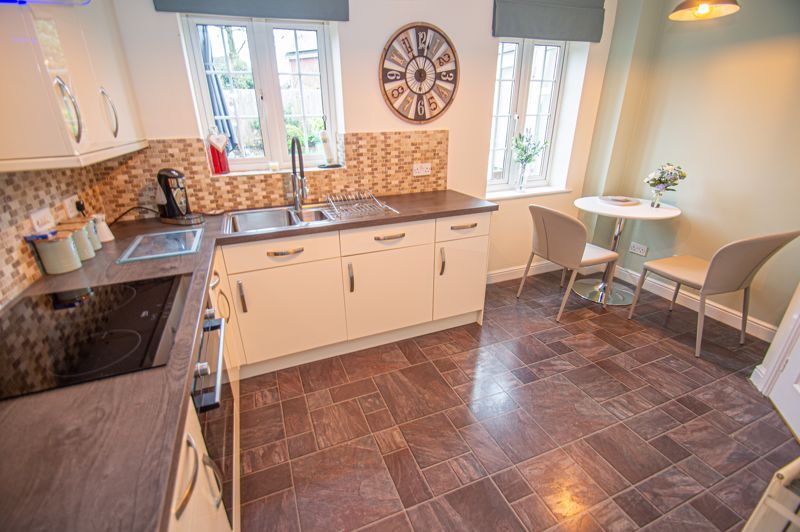 3 bed house for sale in Hoveton Close 6