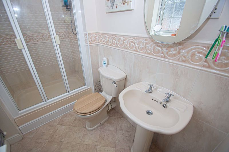 3 bed house for sale in Hoveton Close  - Property Image 8