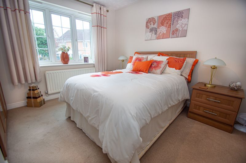 3 bed house for sale in Hoveton Close 9