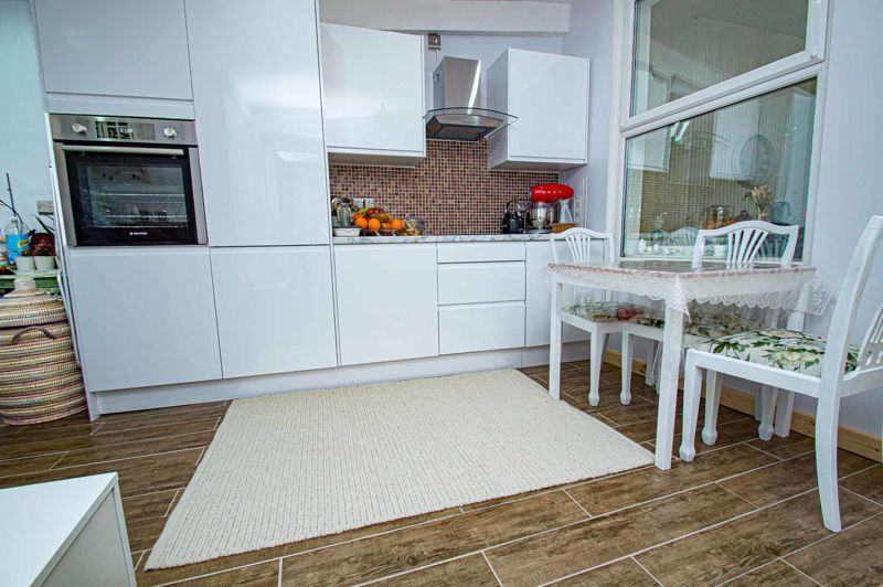 3 bed house for sale in New John Street 14