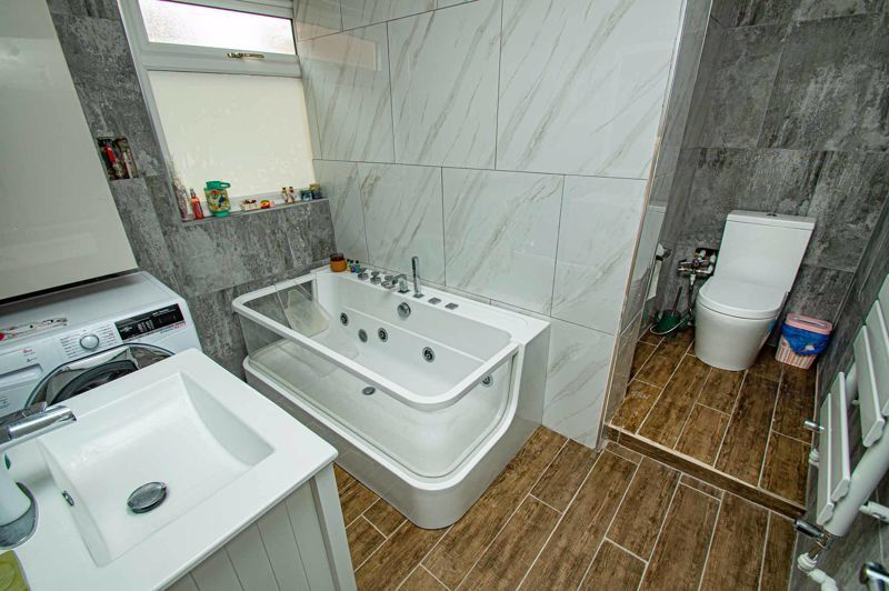 3 bed house for sale in New John Street 8