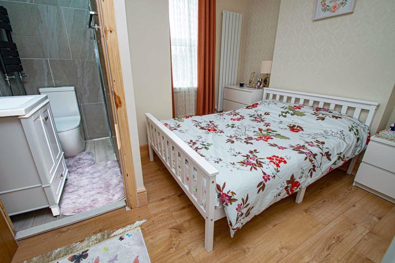 3 bed house for sale in New John Street 9
