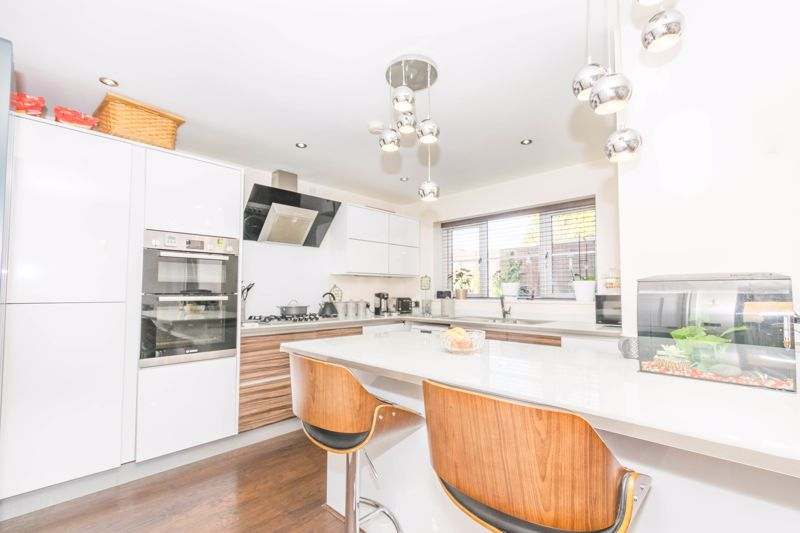 3 bed house for sale in The Flats 2