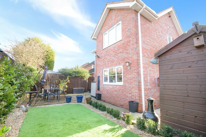 3 bed house for sale in The Flats 13