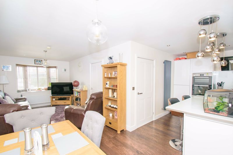 3 bed house for sale in The Flats 6