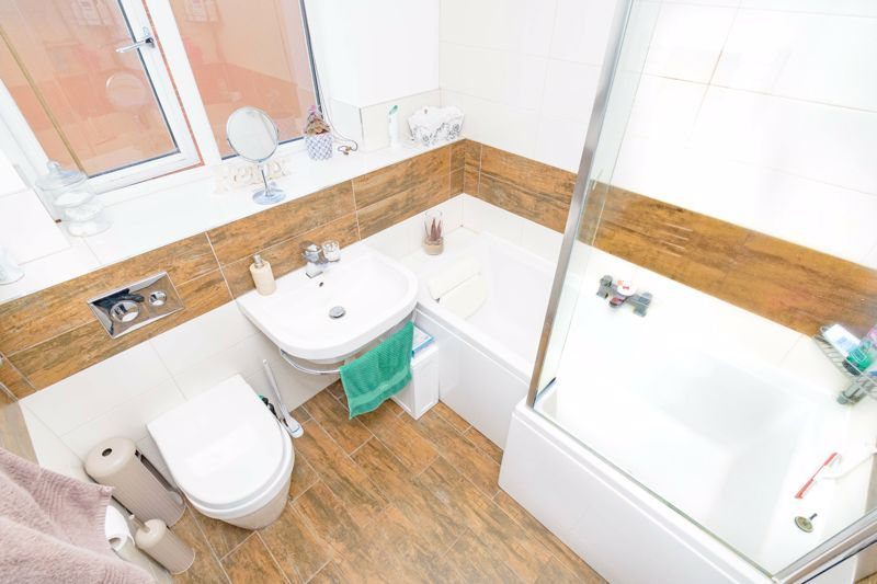 3 bed house for sale in The Flats 10