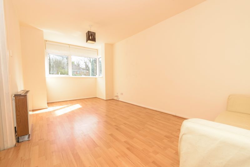 1 bed flat for sale in Worcester Street  - Property Image 2