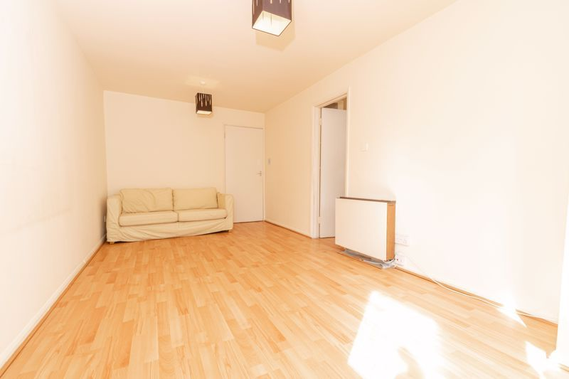 1 bed flat for sale in Worcester Street 3