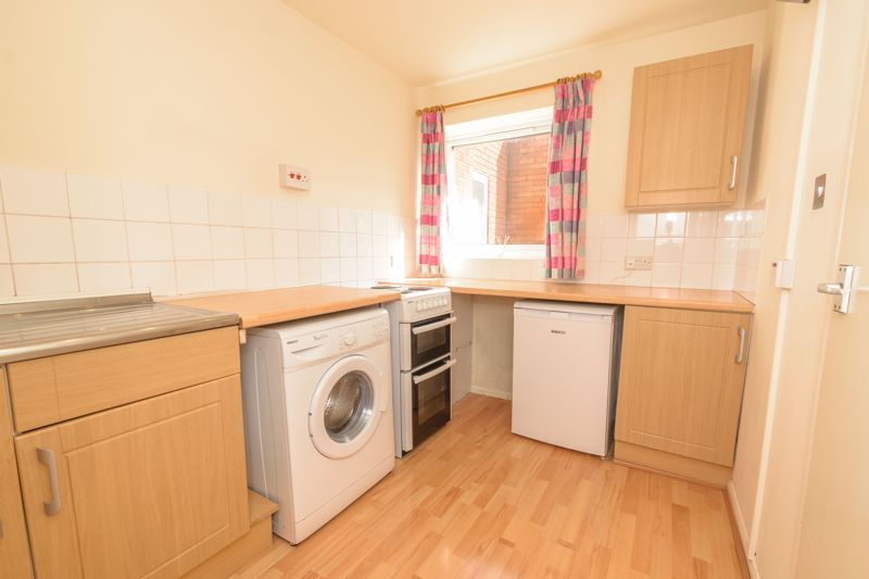 1 bed flat for sale in Worcester Street 4