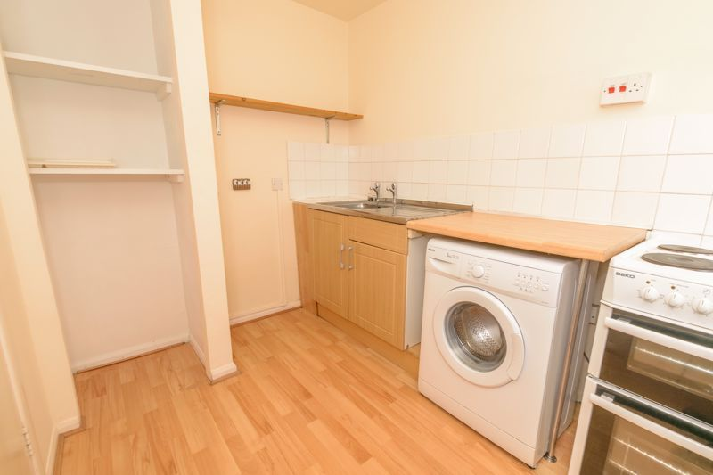 1 bed flat for sale in Worcester Street 5