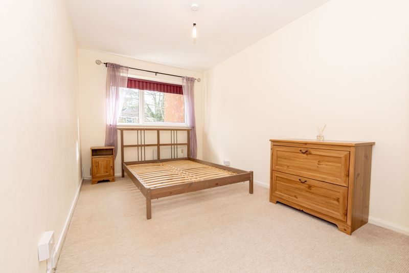 1 bed flat for sale in Worcester Street 6