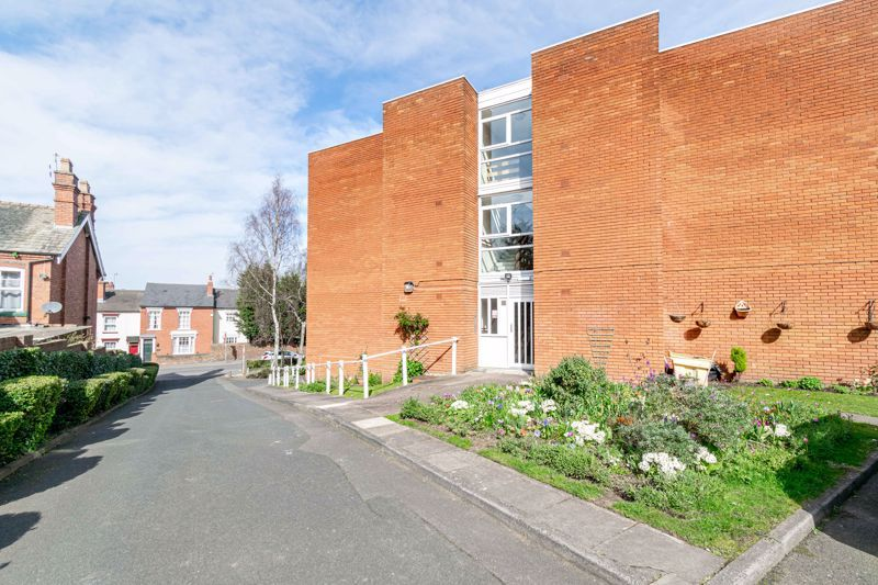 1 bed flat for sale in Worcester Street 10