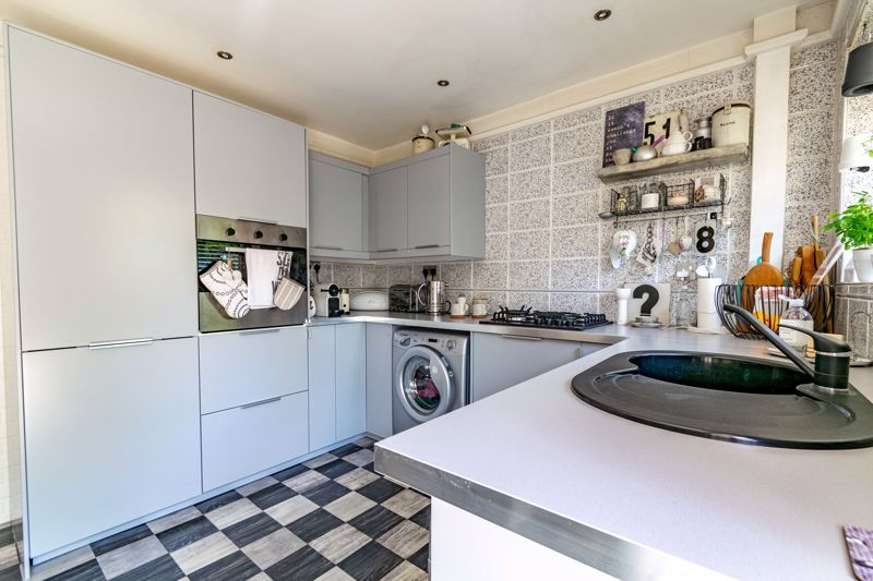 3 bed house for sale in Pippin Avenue 4