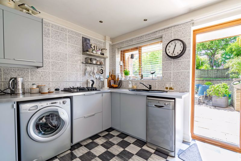 3 bed house for sale in Pippin Avenue 5