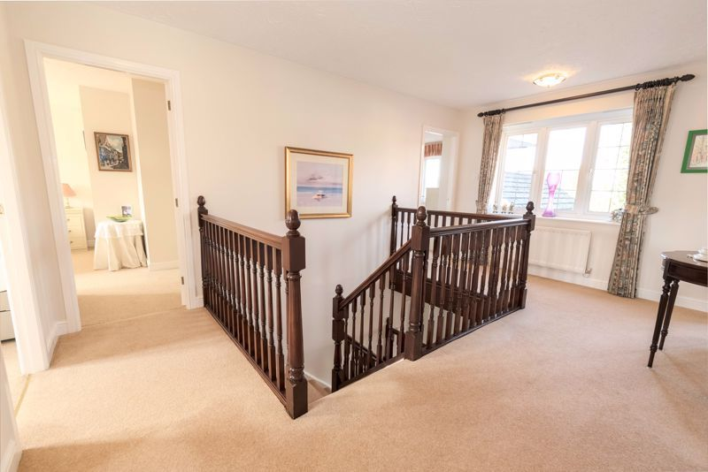 5 bed house for sale in Appletrees Crescent 14